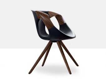 UP Chair WOODEN - Soft Touch + valnød/eg arm og ben